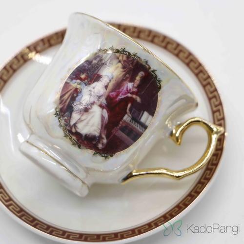 فنجان نعلبکی طرح فرانسوی در کادو رنگی