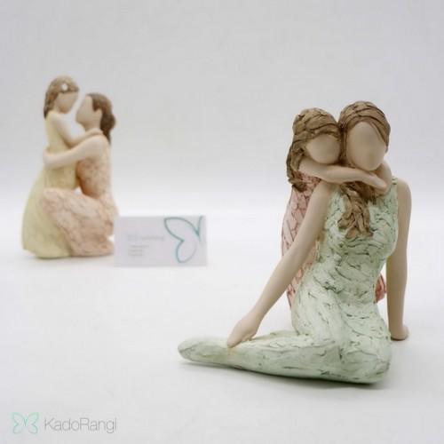 خرید مجسمه مادر و دختر