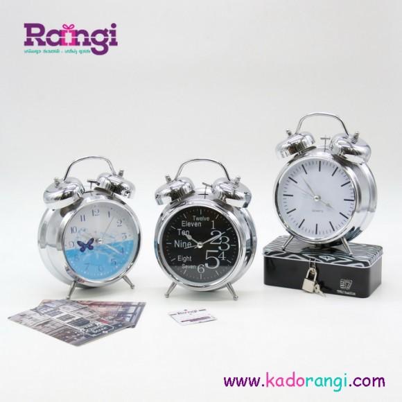 ساعت کلاسیک نقره ای رنگ