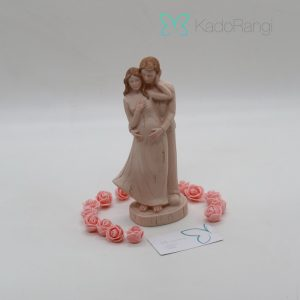 مجسمه فرشته باردار