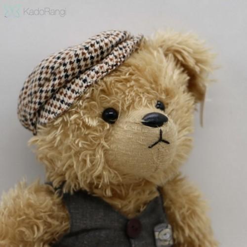 خرس ولنتاین با جلیقه و کلاه کج