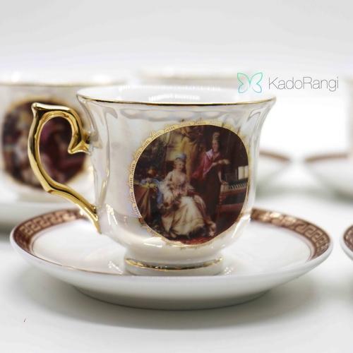 فنجان نعلبکی طرح فرانسوی